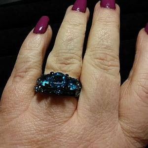 Jewelry - Sz7 Engagement ring and Wedding ring